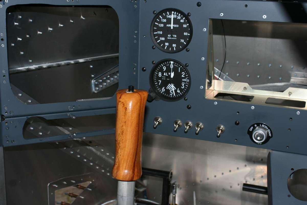 Teak Grip in Cockpit